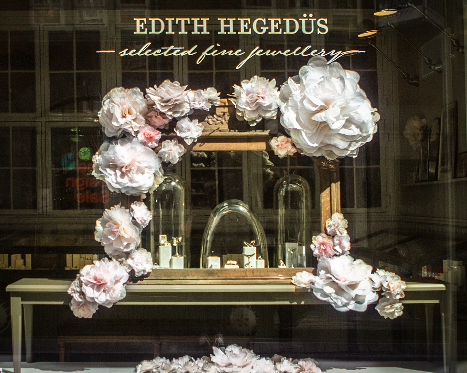Paper Flowers · No.10 Edith Hegedüs