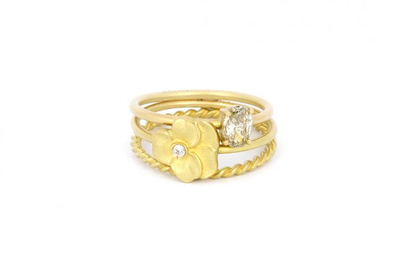 Stacking rings · 18ct gold · Design Edith Hegedüs