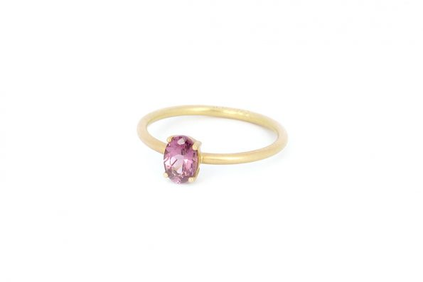 Ring with red stone · 18ct Gold · Design Edith Hegedüs