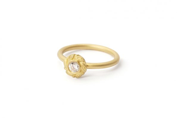 0,20ct Diamond Ring · Garland ring with Diamond · Design Edith Hegedüs